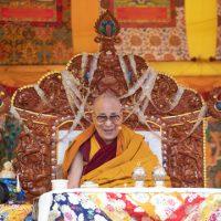Récitations du Kangyour pour les longues vies de Sa Sainteté Le Dalaï Lama et de Rangjoung Nèljorma Khandro Namsèl Dreunmé
